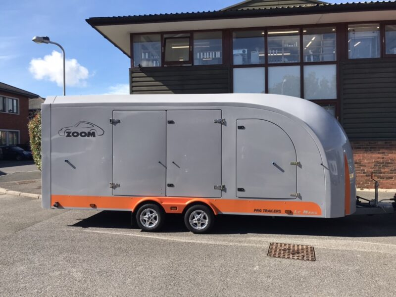 Zoom covered transport trailer