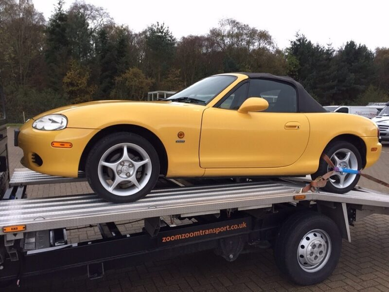 Mazda MX-5 delivery by Zoom