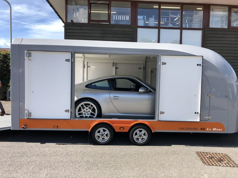 Porsche 911 covered car transport